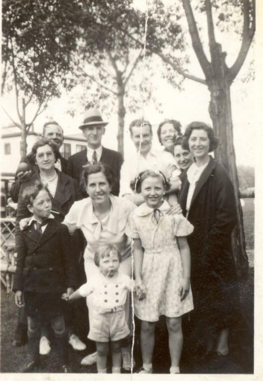 Moffatt family (John HCBH Moffatt and Emily Lawton on left).jpg