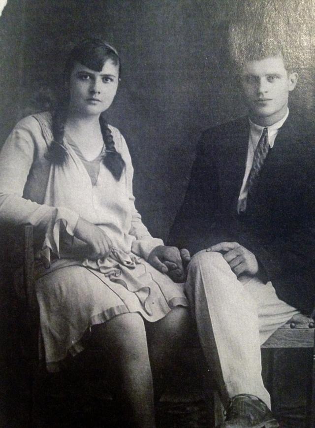 Maria Tonus and Vittorio Pagotto -wedding photo January 1933.JPG